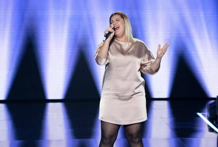 Pour Karla, la chanson est un rêve : « Je veux faire carrière. Et The Voice peut être un vrai tremplin ». Ce soir elle interprétera Without you, de Mariah Carey.