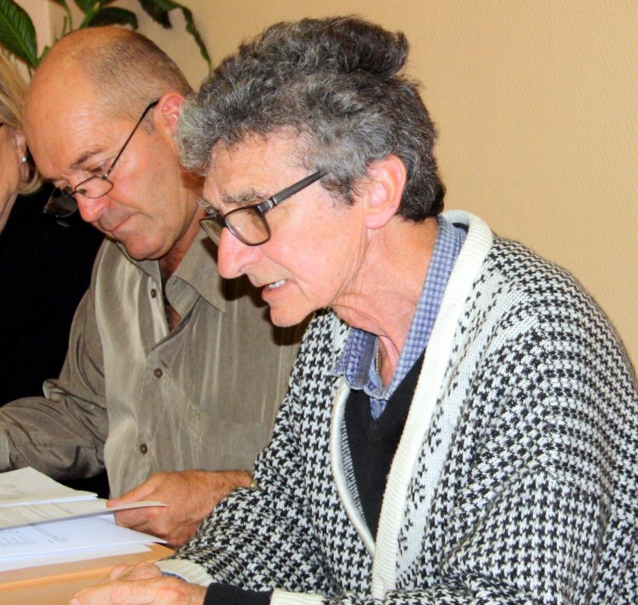 Le maire Claude Cheilan (à gauche) et Patrick Obry, adjoint aux Finances, nommé président du Comité « développement du cadre de vie et de l'animation locale ».