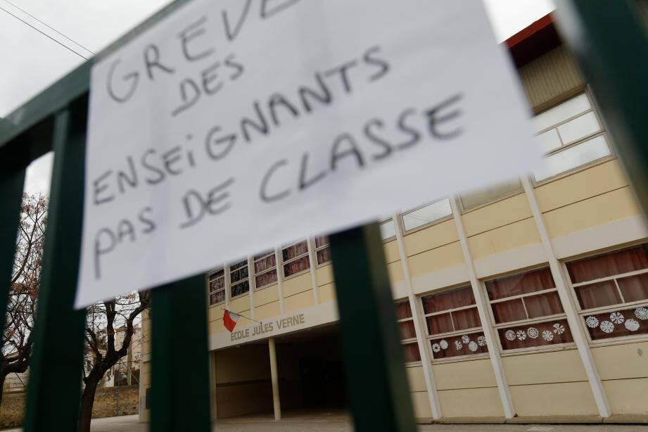 Quatre écoles de La Seyne étaient en grève, hier.