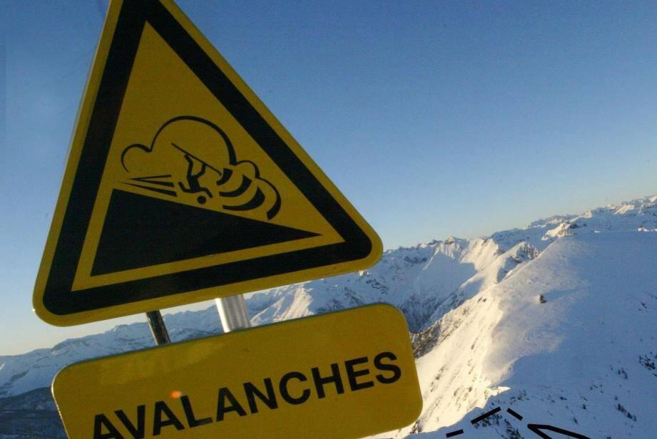 Un panneau signalant des risques d'avalanches (image d'illustration).