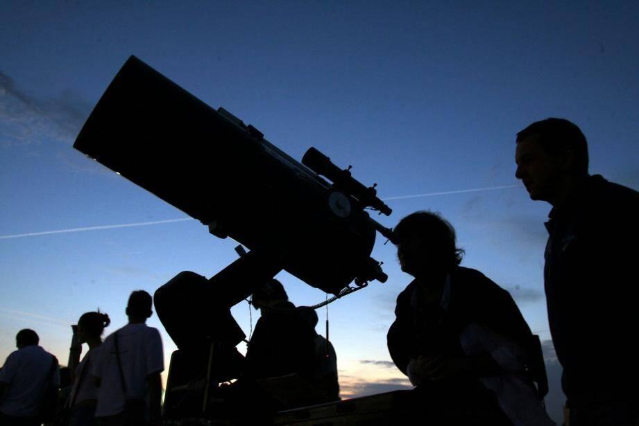 La première soirée d'observation du ciel depuis le col de vence aura lieu le 4 mars. Inscriptions à partir du 23 février.
