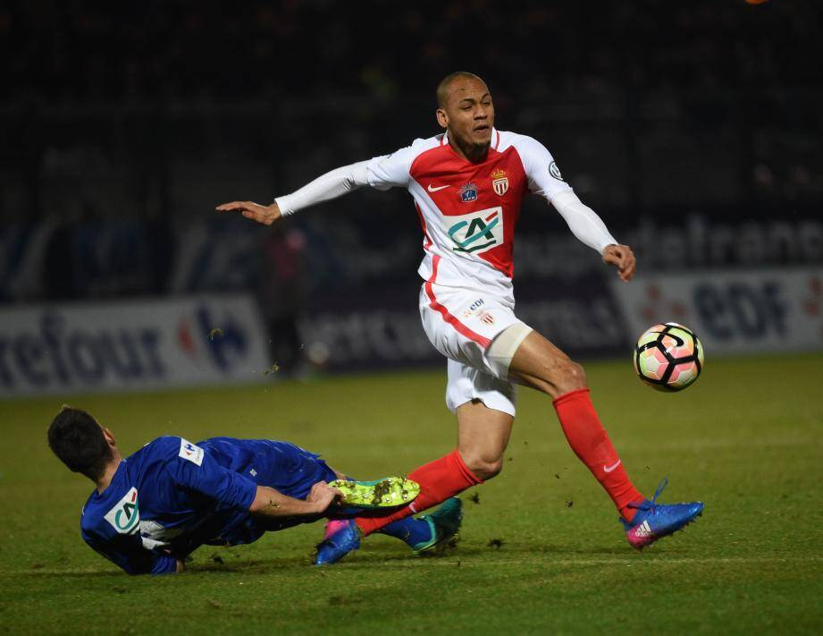 Monaco surpris à Chambly.