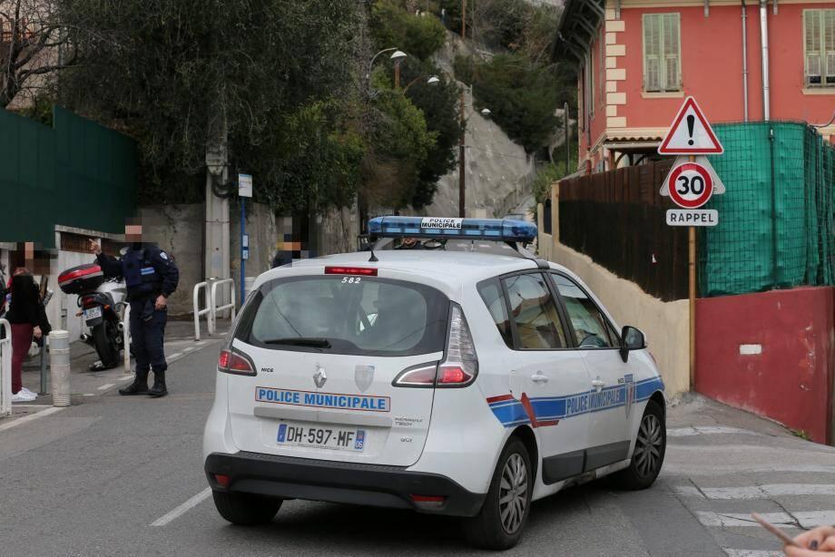 Les tueurs ont agi lundi matin à Nice, vers 10h30, sur un axe très fréquenté qui relie le boulevard Gambetta à Saint-Pancrace