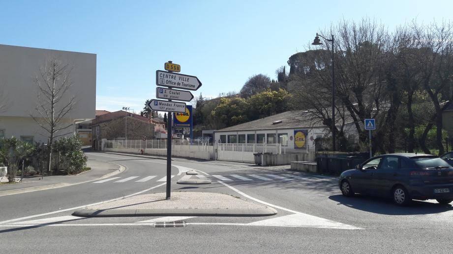 Le Lidl de Cogolin pourrait déménager au-delà de la départementale qui mène à Toulon.