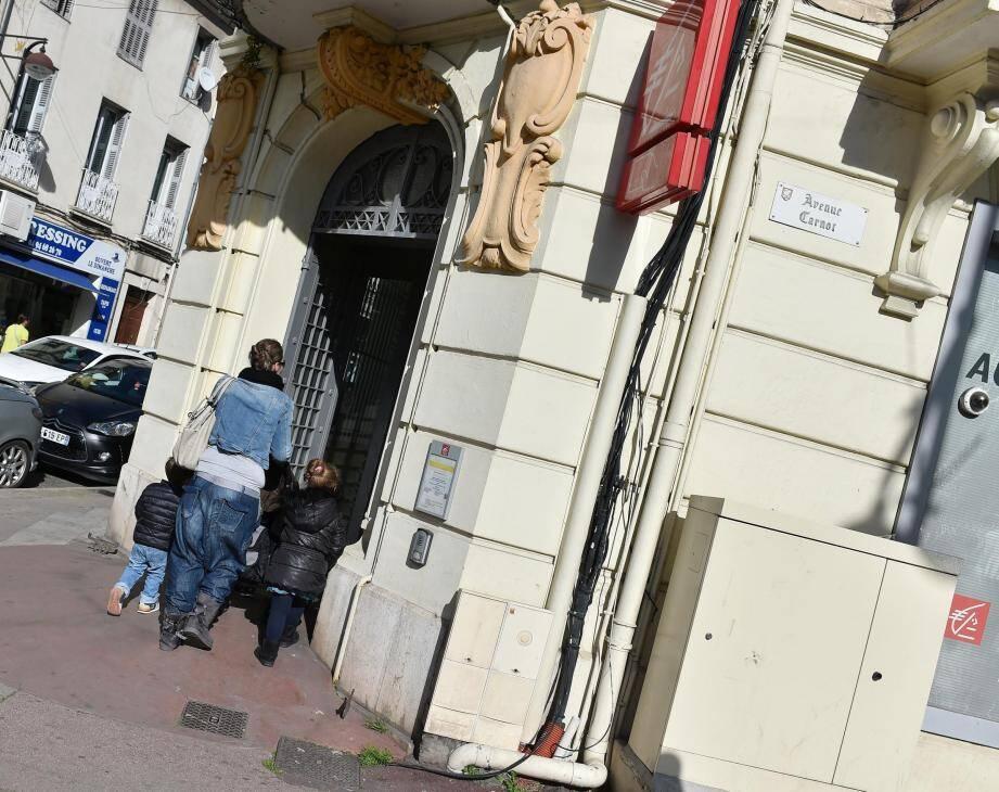Caisse d'Epargne, sur l'avenue Carnot.