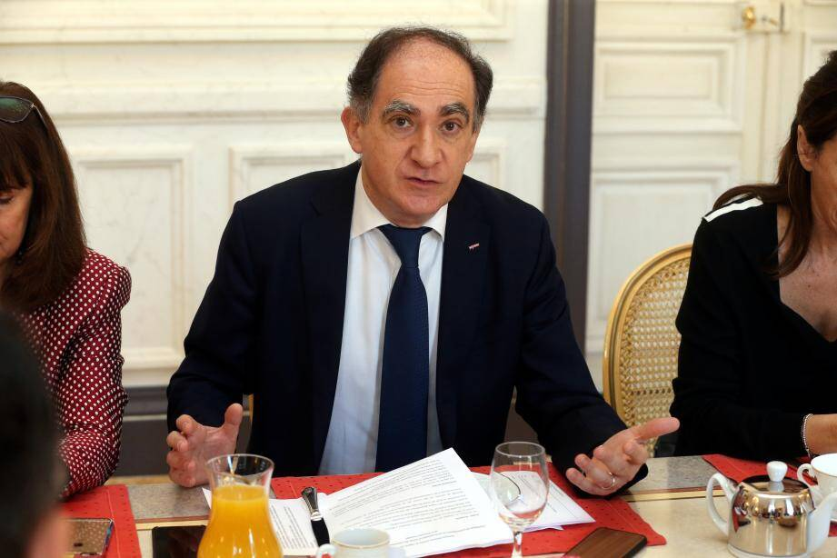 Jean Castellini au Club de l'éco Monaco-matin au ministère d'Etat.