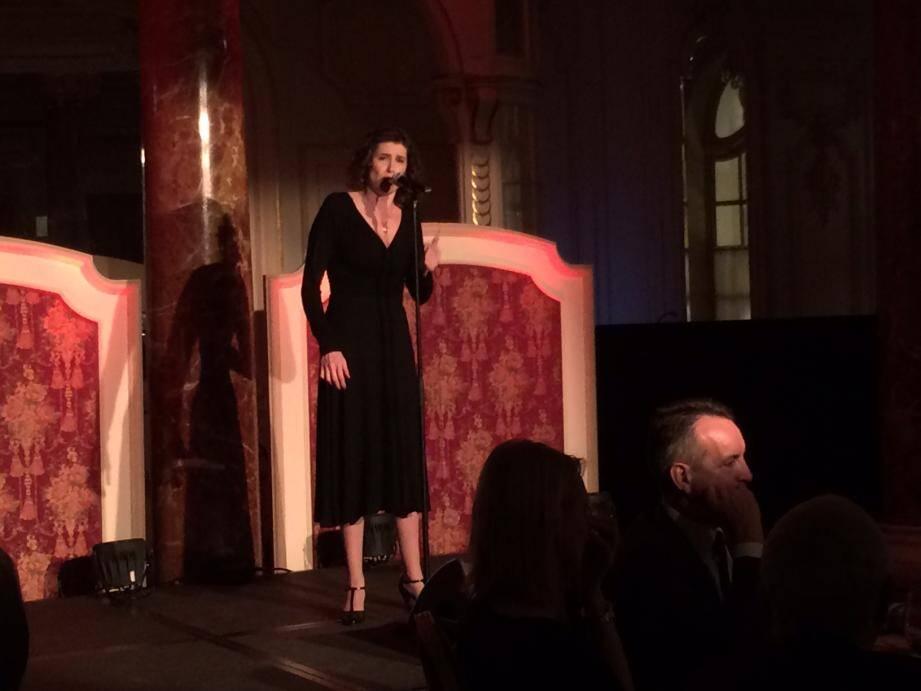 Christelle Loury a repris le répertoire d'Edith Piaf.