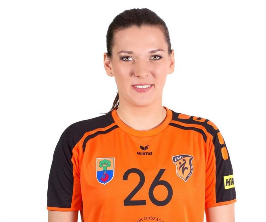 Yulia Khavronina s'est engagée avec le TSCV jusqu'à la fin de la saison 2017-2018.