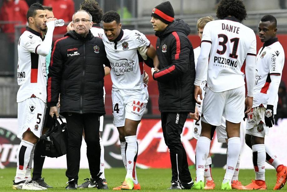 Alassane Plea lors de sa sortie sur blessure, à Rennes, dimanche.