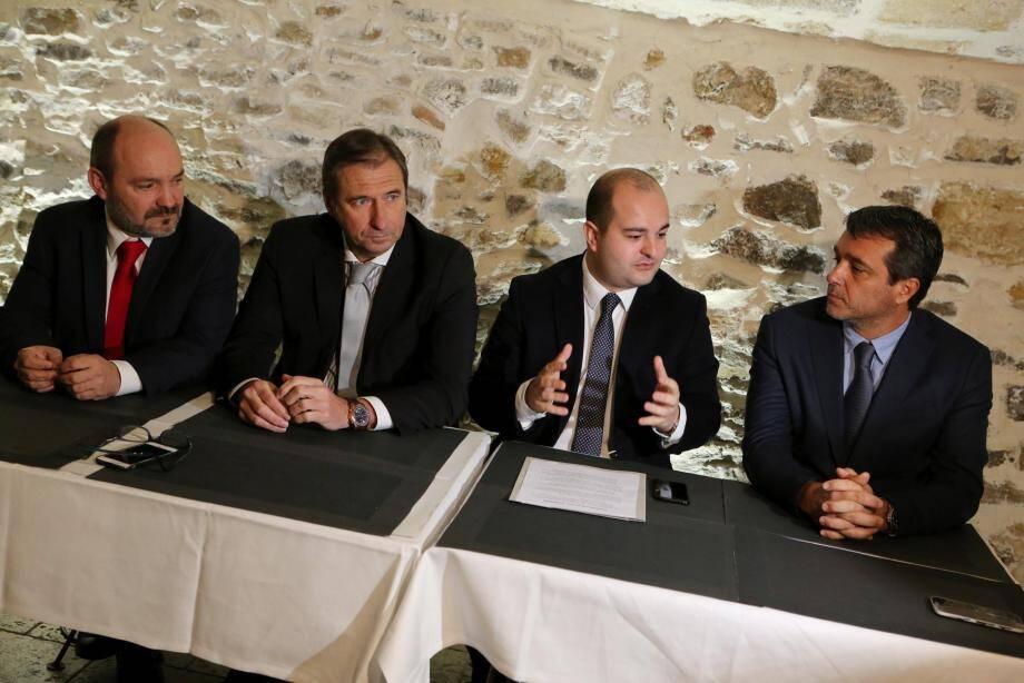 Stéphane Pellegrin (à droite) et Pierre Jugy (deuxième en partant de la gauche) ont reçu le soutien du FN la semaine dernière.