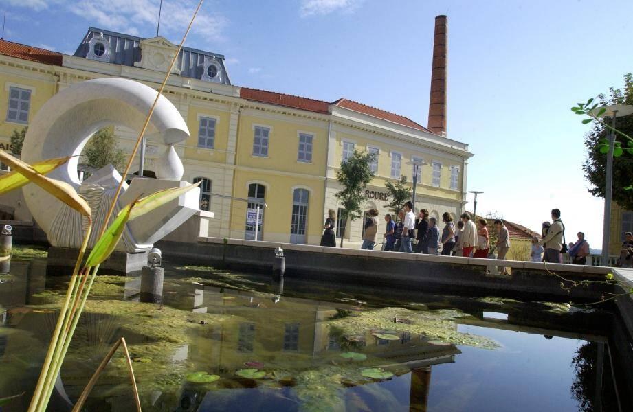 Les communes conserveront le pouvoir d'élaboration de leurs Plans Locaux d'Urbanisme même si les permis de construire sont désormais instruits par la communauté d'agglomération.