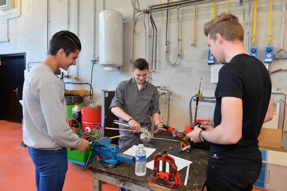 Au lycée Curie, les futurs lycéens pourront découvrir des formations qui mènent aux métiers d'ingénieur, de technicien, ou encore de designer.