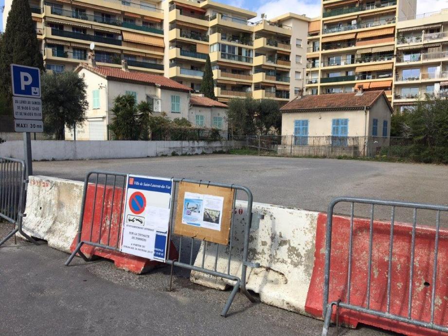 Le parking de l'impasse De-Gaulle est hors d'usage jusqu'en mai dans le cadre de la restructuration du square Bénès. (DR)