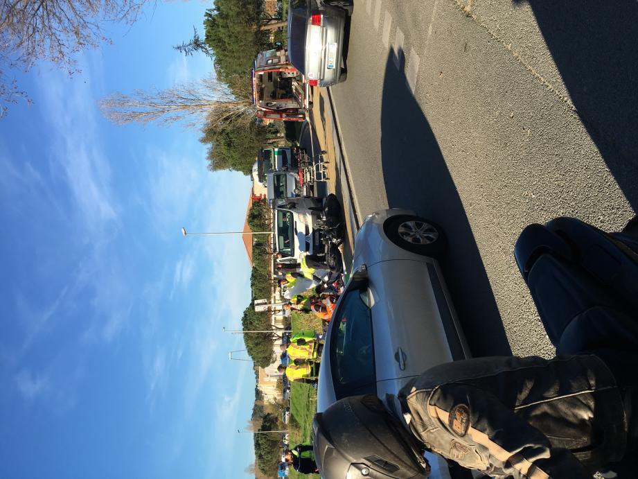 L'accident a pris forme à l'embranchement après le centre commercial, en direction de Saint-Tropez.