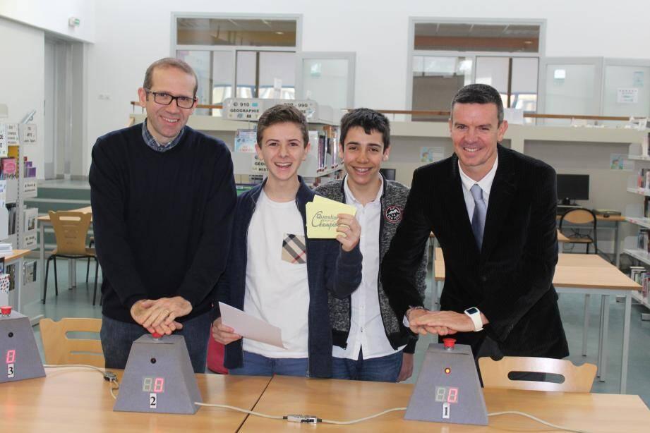 Jérôme Chazot et Benoit Senescal, les deux finalistes, entourent les deux protagonistes, Mathieu Gaillot et Fabio Fedèle.