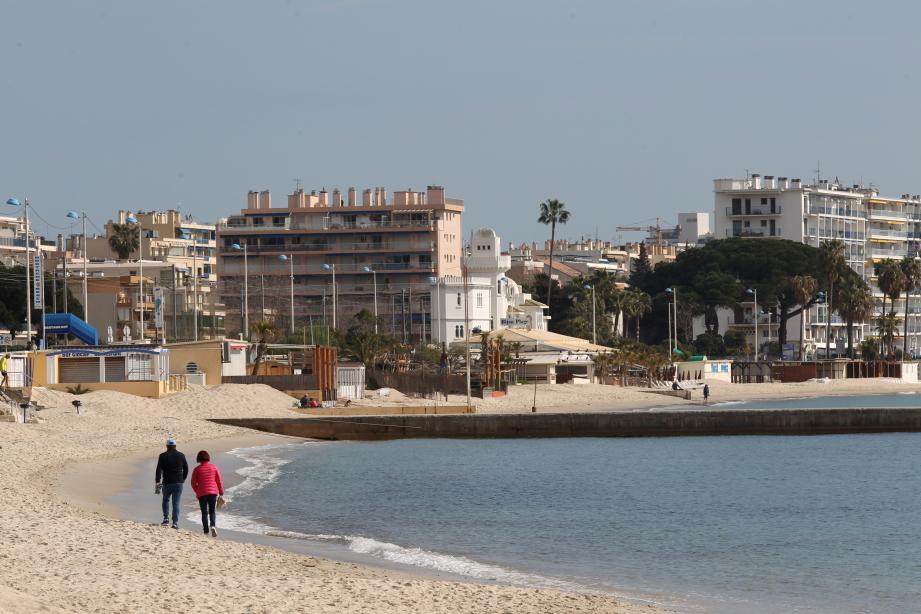La saison qui va débuter à Juan sera la dernière pour les plages privées de ce secteur.