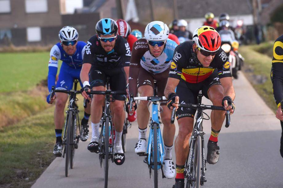 Le champion de Belgique Philippe Gilbert (ici lors du Helt Nieuwsblad) vise les victoires d'étapes, notamment aujourd'hui, avec l'arrivée en bosse à Bois-d'Arcy.