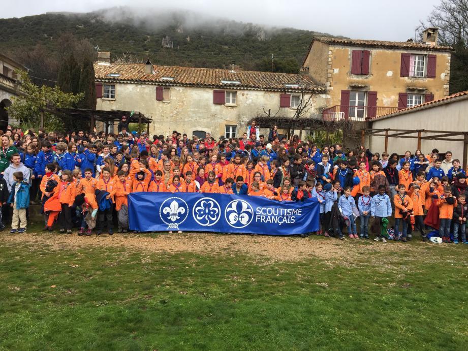 Tous les scouts (ou presque) des Alpes-Maritimes sont aux Courmettes ce week-end.(Photo Sy.C.
