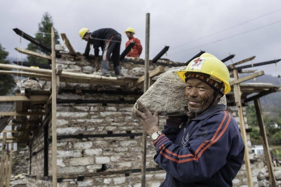 Soixante maçons népalais ont été formés aux techniques de construction parasismique. (DR)