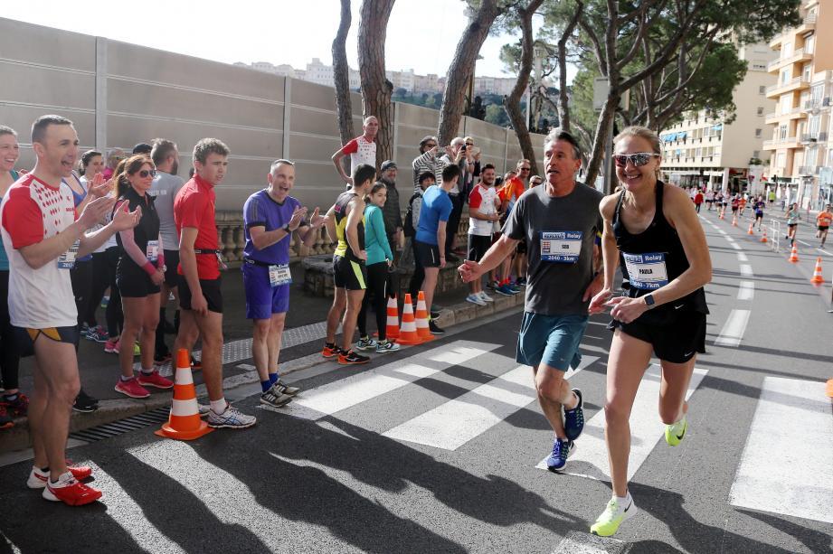 Sebastian Coe, président de la Fédération internationale d'athlétisme, et Paula Radcliffe, détentrice du record du monde du marathon depuis 2003, ont participé hier à la Monaco Run.