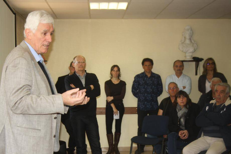 Ce premier rendez-vous avec le maire, Francis Tujague, et les élus s'est tenu à la Vernéa.