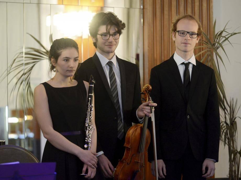 La clarinettiste Laure Paris, l'altiste Nicolas Garrigues et le pianiste Alain Pietka réunis pour l'une de leurs premières apparitions sur scène, dimanche dernier au Majestic Barrière.