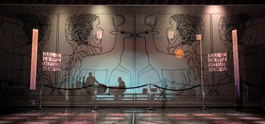 Le thème du 63e Bal de la rose, déterminé par la princesse de Hanovre, a largement inspiré Karl Lagerfeld.