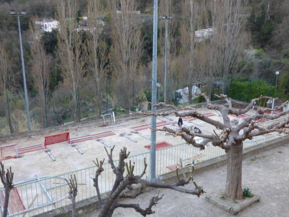 L'aménagement du microsite sportif sous le terrain de foot va être fini en fin de semaine.