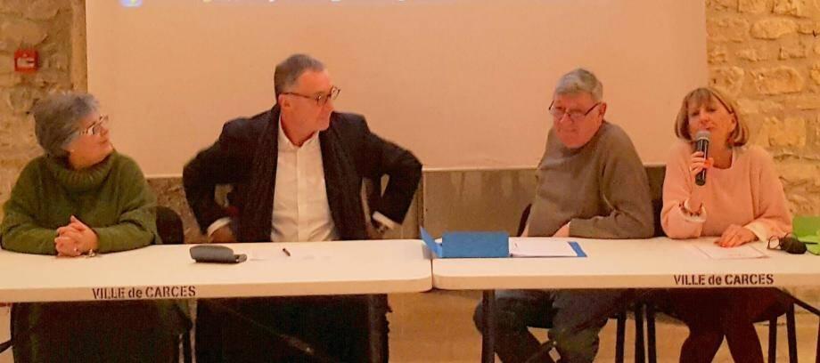 L'adjointe Joëlle Donadu, le maire Patrick Genre, le président Bernard Leroux et la secrétaire Éliane Termat ont animé l'assemblée.