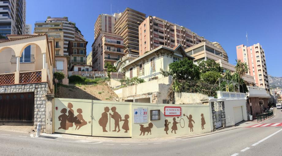 L'ancien bâtiment a été détruit pour bâtir un bâtiment public qui abritera les locaux de l'association FAR.