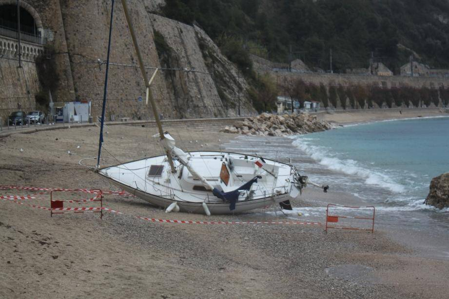 La ville souhaite des zones de mouillages et d'équipements légers pour éviter l'échouage de bateaux sur ses plages.