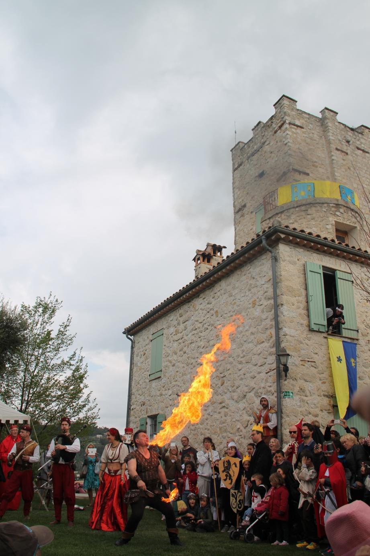 Le château médiéval de Tourrette-Levens est la raison d'être de la fête médiévale et assure son authenticité.