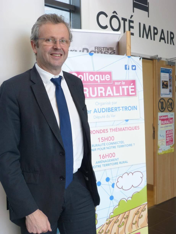 Laurent Londeix : « La société Orange s'est engagée à déployer la fibre sur 60 % du Var, dont les communes de Toulon, St-Raphaël, Draguignan et 16 communes de la Dracénie qui seront intégralement couvertes d'ici 2022 ».