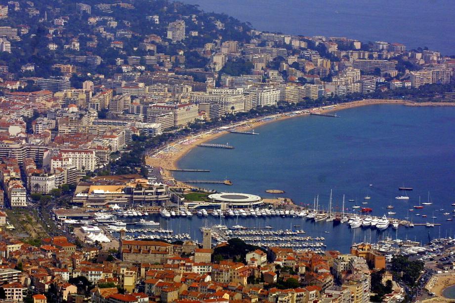 Vue aérienne de la ville de Cannes