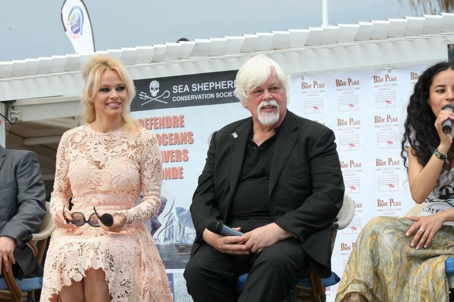 Pamela Anderson et Paul Watson.