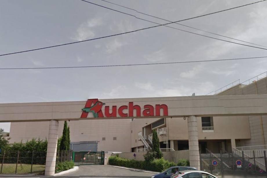 Le Auchan Saint-Loup dans le 10e arrondissement de Marseille