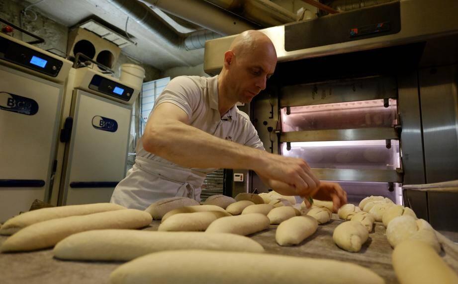 Après 20 ans de vie en entreprise, Jean-Marc Mortier a tout plaqué pour réaliser son rêve d'enfance: devenir boulanger.