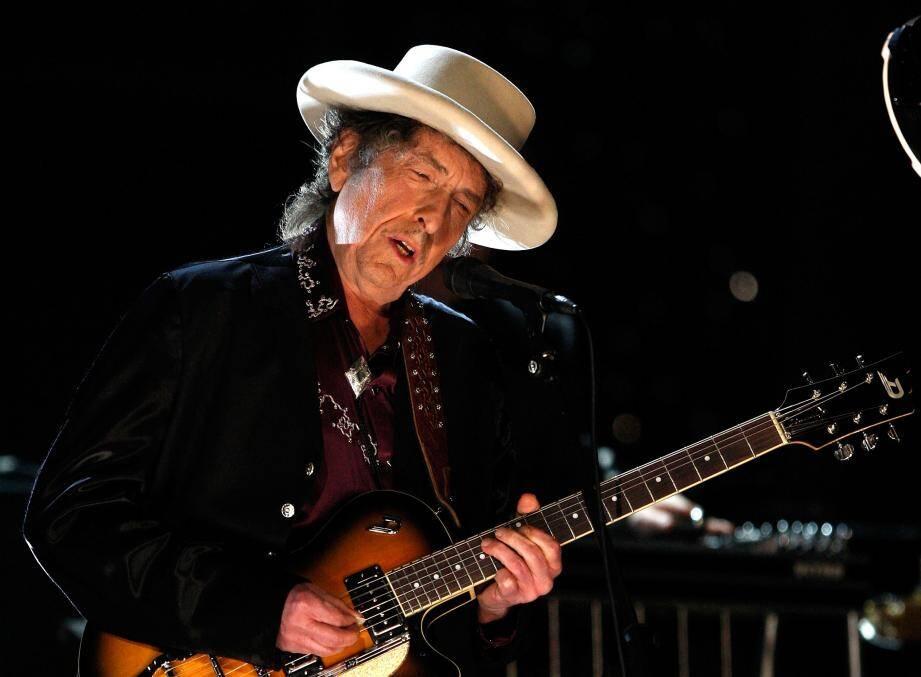 Bob Dylan va (enfin) venir chercher son Prix Nobel.