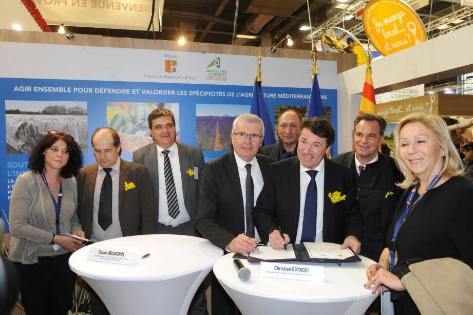 Christian Estrosi, président de la Région et Claude Rossignol, président de la Chambre régionale d'agriculture ont signé, hier, une convention pour une agriculture innovante et durable.