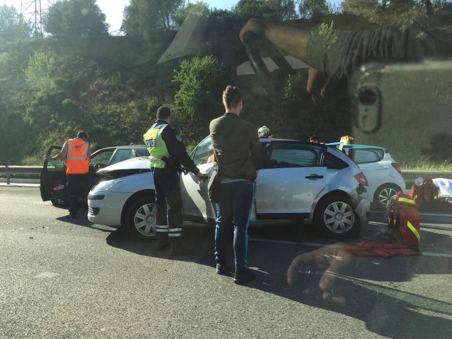 L'accident implique cinq véhicules.