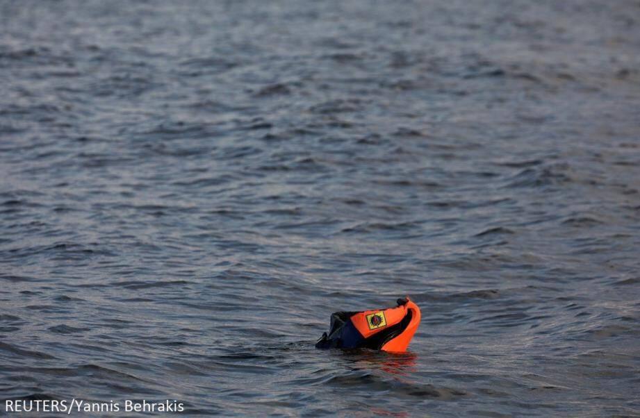 Les corps de 5 jeunes migrants ont été découverts près de l'épave de deux embarcations.