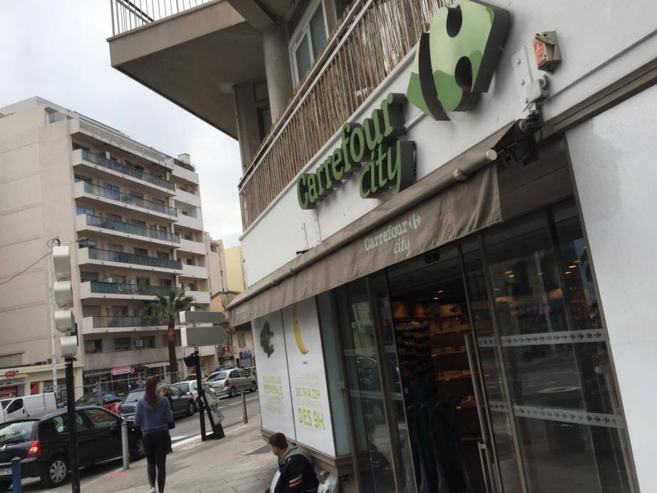 Une enseigne Carrefour City à Nice.