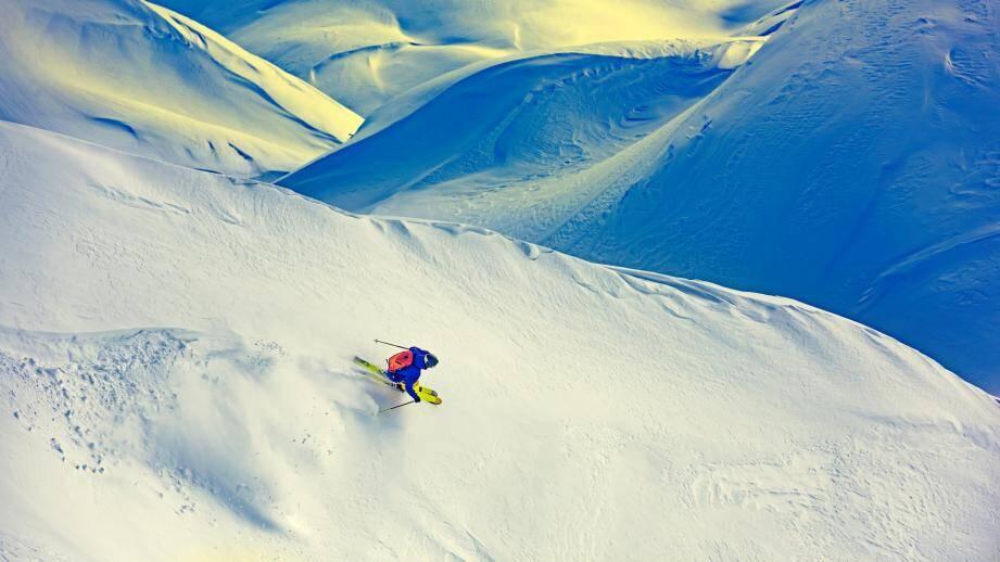 Illustration d'un skieur.