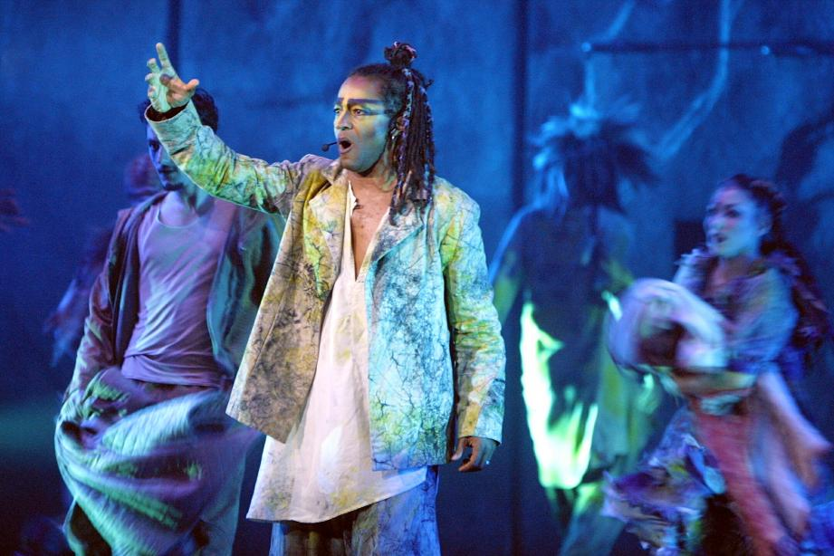 """La comédie musicale """"Notre Dame de Paris"""" au Nikaia en 2002."""