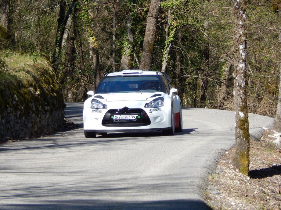 La DS3 WRC de Lions et Pallone en repérage du côté de Roquestéron, jeudi.