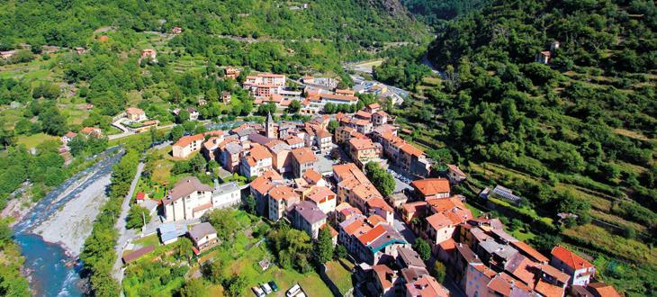 Le village de Saint Sauveur sur Tinée.