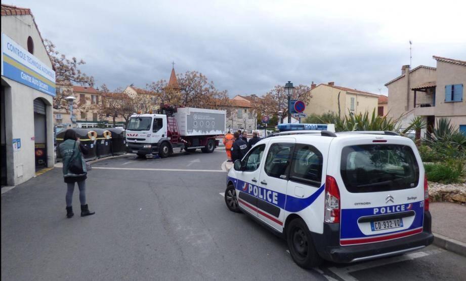 Le 6 mars dernier à Cagnes-sur-Mer, une dame de 73 ans est décédée après avoir été renversée par un camion-benne (illustration).