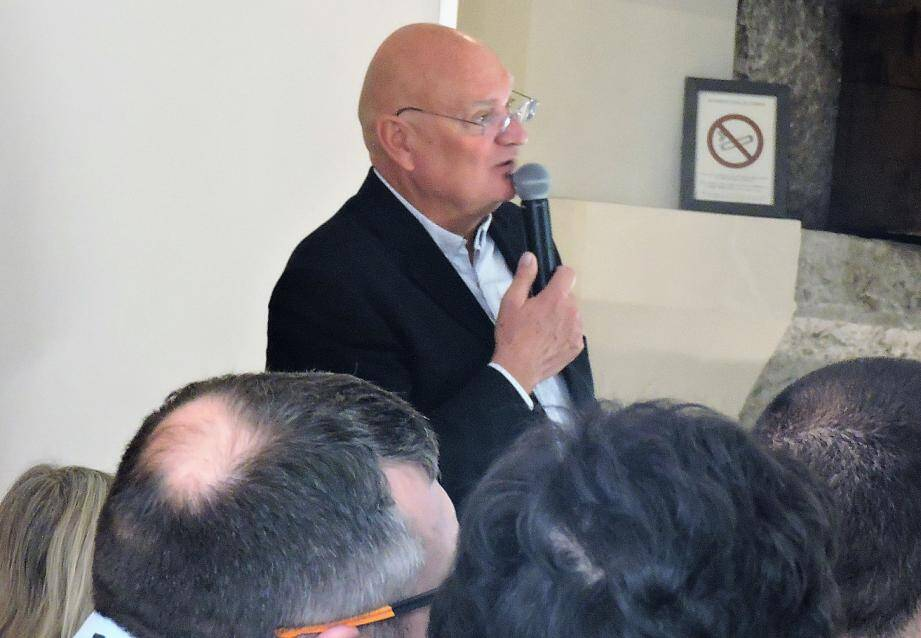 Philippe Bartier, président de l'AFUZI au cours de son allocution devant les entrepreneurs membres.