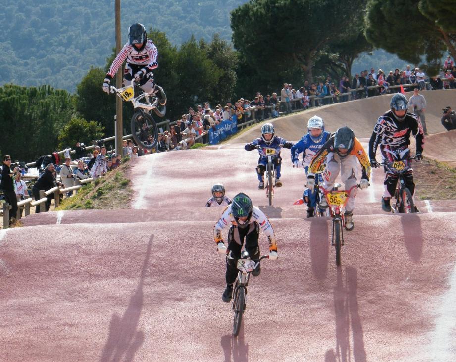L'élite régionale du BMX puis celle de tout le quart sud est de la France vont se succéder sur la magnifique piste Jean Terrat.