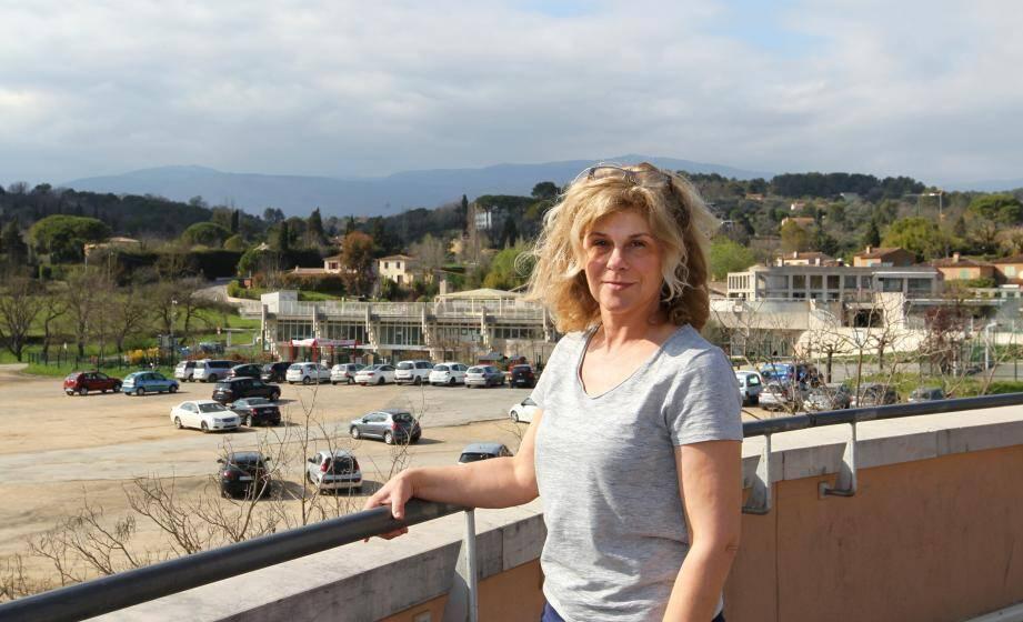 Élisabeth Deborde, porte-parole de l'association «Les Amis de la Faune»: «Ces collines et coteaux sont le dernier corridor bioclimatique, entre les plateaux karstiques du haut pays et urbanisation dense du littoral».